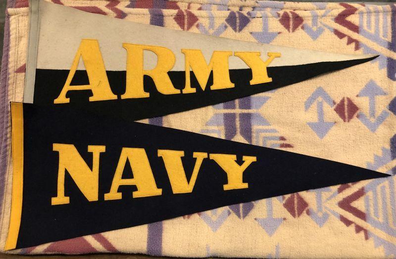 画像1: Vintage US.Army & Navy  Pennant Set (1)